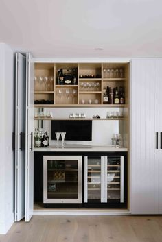 Home Bar Rooms, Home Bar Areas, Living Room Bar, House Inside, Cuisines Design, Bars For Home, Kitchen Design, House Styles, Decoration