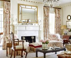 I have always loved Atlanta interior designer Jacquelynne aka Jackye Lanham's style.  I love her use of fine antiques mixed with casual fabr... Beautiful Living Rooms, Living Room Modern, Living Room Designs, Living Room Decor, Family Den, Traditional Decor, Traditional House, Luxe Decor, Charleston Style