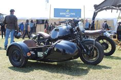 El Solitario Sidecar Build Honda Motorcycles, Custom Motorcycles, Custom Bikes, Moto Guzzi V7 Stone, Ducati 750, Flat Track Racing, Roland Sands, Bike Bmw, Bmw Concept