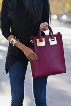 Love the color - Marsala is the Pantone color in fashion for 2015 - shades of wine will be on trend. - womens designer handbags, handbag accessories, handbags with matching purse *ad Look Fashion, Fashion Bags, Fashion Accessories, Fashion 2015, Gold Accessories, Fashion Ideas, Fashion Trends, Style Work, Mode Style