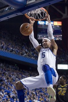 Kentucky Wildcats Basketball: Willie Cauley-Stein and Andrew Wiggins Receive Awards