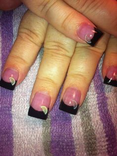 Loved these nails! Simple acrylic black tips with lemons