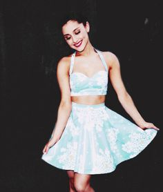 i love ariana grande! and her outfits too! Ariana Grande Outfits, Ariana Grande Pictures, Soft Grunge, Demi Lovato, Katy Perry, Pinup, Rockabilly, Bae, Summer Outfits