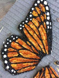 Linda Biggers Mosaic Garden Art, Mosaic Diy, Mosaic Crafts, Mosaic Tiles, Stone Mosaic, Mosaic Glass, Glass Art, Stained Glass Patterns, Mosaic Patterns