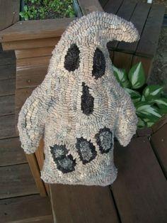 Primitive Ghost Rug Hooking Pattern by hookedonprimitives on Etsy, $12.00