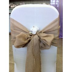 Hessian sashes with chair covers <3