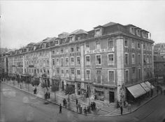 Former Francfort Hotel, Lisbon Old Pictures, Old Photos, Places In Portugal, Pavement, Historical Photos, Portuguese, Places To Travel, Spain, Street View