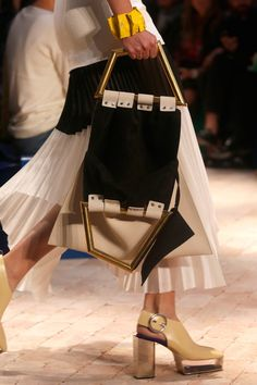 See all the Details photos from Celine Spring/Summer 2014 Ready-To-Wear now on British Vogue Celine, Pleated Fabric, Tote Pattern, Spring Fashion Trends, Spring 2014, Summer 2014, Spring Summer, One Piece Dress, Fashion Show