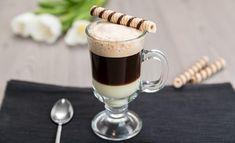 Кофе БомБон (Café Bombón) - это изысканный испанский кофе. Прекрасно подойдет на завтрак и зарядит бодростью и хорошим настроением на целый день. Tasty, Yummy Food, Coffee Love, Chocolate, Barista, Glass Of Milk, Panna Cotta, Food And Drink, Lunch