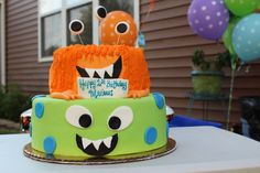 Frosted Funfetti Layer Cake - How incredible would this cake be for a baby shower or first birthday? Amazing, via Dillon Landis Cupcakes, Cake Mix Cookies, Cupcake Cakes, Little Monster Birthday, Monster Birthday Parties, Monster Party, Take The Cake, Love Cake, Cakepops