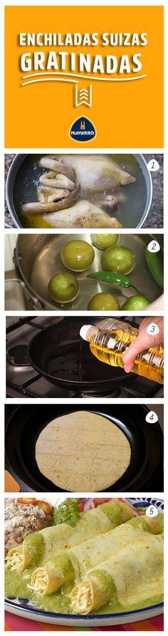 Las enchiladas nunca fallan: 1.Cuece pollo y desmenuza 2.Para la salsa, hierve tomates y chiles hasta que estén cocidos. Licúa tomates, chiles, cebolla, ajo, cilantro, crema y caldo de pollo. 3.En una olla mediana, calienta una cda. de aceite y fríe la salsa 5 min. a fuego bajo. Sazona y reserva. 4.En una sartén, calienta el resto del aceite y pasa tortillas por ambos lados. 5.Rellena las tortillas con pollo. Acomoda en un refractario y baña con la salsa, agrega Queso Adobera NAVARRO.