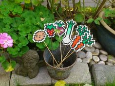 Wonderful garden labels made ​​of ironing / fuse beads