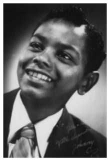 """[IMG] """"I was frightened by the celebrity status type of thing. That always sort of scared me and it still bothers me quite a bit.""""-Johnny Mathis """"I. Young Celebrities, Celebs, Beautiful Celebrities, Jazz, Johnny Mathis, Mystique, We Are Young, My People, Young People"""