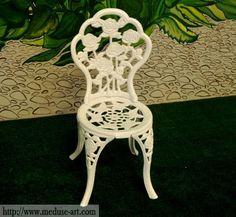 Chaise de Rose en fonte d'aluminium. Idéal pour votre terasse.
