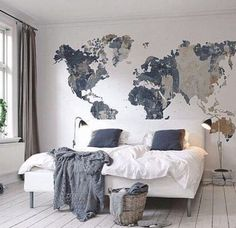 You will get a lot of ideas to decor your bedroom wall because there are many things that you can use for it. Besides the wall paint, you may try to decor the bedroom wall with wallpaper, frames, wall Dream Bedroom, Home Bedroom, Travel Bedroom, Bedroom Ideas, Bedroom Designs, Teen Bedroom, Bedroom Inspiration, World Map Bedroom, Travel Room Decor