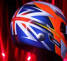 Easily my favorite part of Gary's helmet is the unique British flag on the back. Matte blue fading to the gloss red #helmartdesign #allaboutdetail #bellhelmets @garypaffett by tyler_helmart