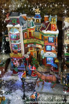 Lemax Christmas Lane, detail of the 2014 christmas village. Facade. Visit our christmas blog on audreychristmascarol.blogspot.fr #lemax #facade #christmaslane