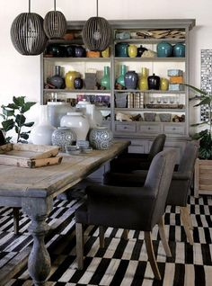 La Grange's new Durban spot South African Decor, South African Homes, Kitchen Dinning, Dining Area, Dining Rooms, African Interior, Pretty Room, Interior Decorating, Interior Design