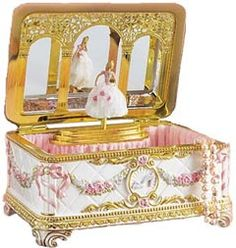 Sandra Kuck music boxes | Beautiful Music Boxes