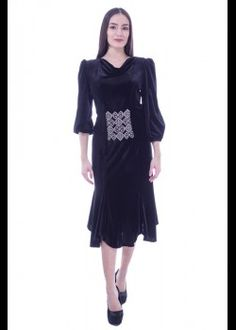 Rochie catifea neagra cu broderie Dresses With Sleeves, Long Sleeve, Fashion, Embroidery, Tricot, Moda, Gowns With Sleeves, Fashion Styles, Fasion