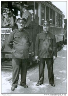 vintage 1940 wien - Tramway Dienstbekleidung 1940 Vienna / Tram conductor uniform Vienna Google-Suche Tramway, Unsung Hero, Bus, Old Pictures, Vienna, Old World, Austria, Old Things, Black And White