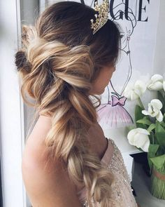 Ulyana Aster Long Bridal Hairstyles for Wedding_18 ❤ See More: http://www.deerpearlflowers.com/long-wedding-hairstyleswe-absolutely-adore/