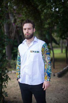 Camicia Uomo manica lunga en STOFFA AFRICANA, realizzato con stoffa africana originale. Disponibili in varie taglie e colori. le stoffe disponibili