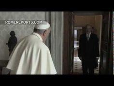 ▶ El Papa recibe al director de la Organización para la Prohibición de las Armas Químicas - YouTube