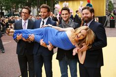 "(L to R) Ed Helms, Bradley Cooper, Justin Bartha, Zach Galifianakis hold Heather Graham as they pose for the press at the British movie premiere of ""The Hangover"" - June Heather Graham, Milwaukee, Justin Bartha, Zach Galifianakis, Love Scenes, Dapper Men, Film Awards, Top Movies, Bradley Cooper"