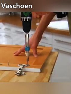 Woodworking Square, Custom Woodworking, Woodworking Projects, Woodworking Apron, Woodworking Equipment, Fine Woodworking, Cool Gadgets To Buy, High Speed Steel, Screwdriver Set