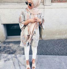 Fashion Arabic Style Illustration Description – Read More –