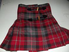 Kilt pour petite fille réalisé par Jocelyne Bernonville-Trotier! Avec un tissu écossais les 3mètres à 5€