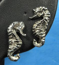 Hawaiian Figural Sea Horses Earrings by JewelryDiscoveries on Etsy