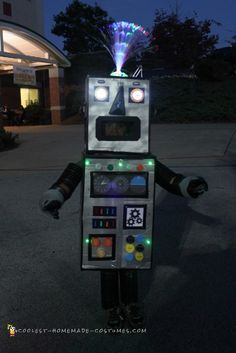 What an awesome DIY costume! The #blinkies and fiber optics are such a nice touch! FBL has your light ups to make this a reality. http://www.flashingblinkylights.com/light-up-products/craft-lights/fiber-optic-lighting.html