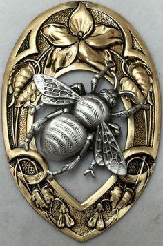 Gold Necklaces For Sale Modern Gold Pendant Necklace Bee Jewelry, Silver Jewellery, Jewellery Uk, Rhinestone Jewelry, Jewelery, Handmade Jewelry, Fabric Jewelry, Unique Jewelry, Fashion Jewelry