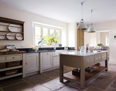 Country Vicarage - Handmade Kitchens | Traditional Kitchens | Bespoke Kitchens | Painted Kitchens | Classic Kitchens http://www.martinmoore.com/