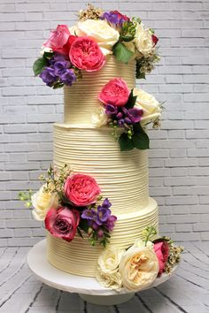 A gorgeous rustic floral wedding cake Wedding Inspiration, Wedding Ideas, Custom Cakes, Floral Wedding, Icing, Wedding Cakes, Urban, Rustic, Creative