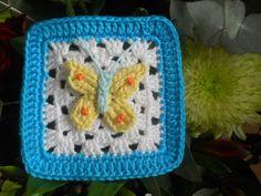 Patroon van deze vlinder vind je bij YouTube   onder   Crochet Butterfly Sapelo     ---------------------         Citroen-vlinder-squar...