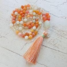 Mala Liebe Kette Diese Kette kann individuell bei uns bestellt werden! Tassel Necklace, Tassels, Beads, Jewelry, Pearls, Necklaces, Love, Schmuck, Beading