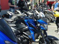 Na zimu sa odporúča natankovať plná nádrž, ideálne 100 oktánového benzínu. Práve ten je stabilnejší pre dlhšie státie a efektívne sa tak zabráni tvorbe korózie. Motorcycle, Vehicles, Biking, Motorcycles, Vehicle, Engine, Choppers, Motorbikes, Tools