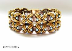 English pattern for the bracelet Goddess of the Moon by Akkesieraden on Etsy https://www.etsy.com/listing/470640757/english-pattern-for-the-bracelet-goddess