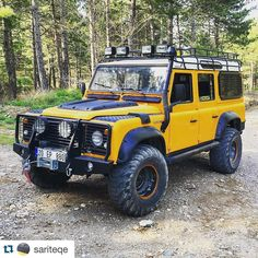 Land Rover Defender 110 Td4. Yellow Adventure.