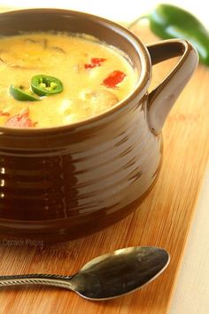 Roasted Jalapeno Soup - Soul Warming recipe that you can make as the days get shorter and the weather gets colder. If this Roasted Jalapeno Soup isn't the definition of soul warming (literally), I don't know what is. Roasted Jalapeno, Jalapeno Recipes, Spicy Recipes, Mexican Food Recipes, Soup Recipes, Vegetarian Recipes, Healthy Recipes, Copycat Recipes, Cookbook Recipes
