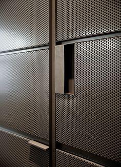 oficinas Oficinas en Bilbao Bilbao Küchen Design, Wall Design, House Design, Metal Furniture, Furniture Design, Door Gate Design, Joinery Details, Perforated Metal, Interior Decorating