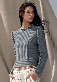 Summer beach look: denim blue knitted stripes top BCBG Max Azria Resort 2015 #Resort15 #fashion #details