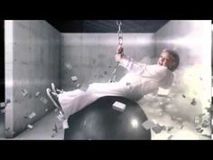 """Ha! Betty White spoofs Miley Cyrus's """"Wrecking Ball"""" video"""