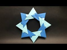 【Mica's Paper Craft Channels】 How to make an Origami Christmas Wreath / Tutorial / Instructions Tutorial by Mica My paper : Origami paper Subsc. Snowflake Origami, Origami Wreath, Christmas Origami, Origami Stars, Origami Paper, Christmas Wreaths, Origami Envelope, Gato Origami, Origami Fish