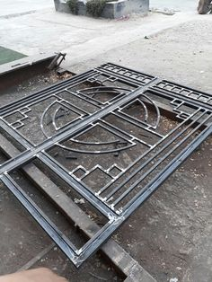 Iron Main Gate Design, Gate Wall Design, Grill Gate Design, House Main Gates Design, Front Gate Design, Steel Railing Design, Window Grill Design Modern, Wrought Iron Doors, Sliding Gate