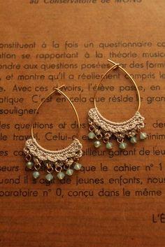 Crochet Jewelry Patterns, Crochet Earrings Pattern, Bead Crochet, Crochet Accessories, Diy Crochet, Crochet Necklace, Textile Jewelry, Fabric Jewelry, Diy Jewelry