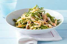 Asian greens with chicken and crispy noodle salad Give classic chicken salad an Asian twist with beansprouts, pak choy and lime and sweet chilli dressing. Crispy Noodles, Healthy Cooking, Healthy Dinner Recipes, Healthy Eating, Cooking Recipes, Yummy Recipes, Healthy Food, Clean Eating